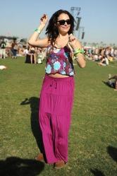 AnnaSophia Robb & Chloe Bridges Wearing Aerie & American Eagle at Coachella