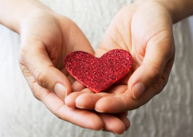 Hands-Heart-780x556